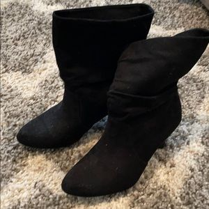 Express faux suede boot. Good condition